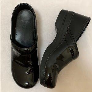 Dansko Black Patent Leather Clogs Size 43 / 13